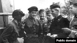 Берасьце. 1939. Савецкія і нямецкія вайскоўцы