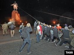 Знесення пам'ятника Леніну в Харкові, 29 вересня 2014 року