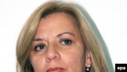 خانم لاریوا نخستین وزیر دفاع زن اکوادور بود