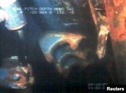 Один из первых кадров подводной съемки затонувшего парома «Эстония», 3 октября 1994 года. Фото: Reuters