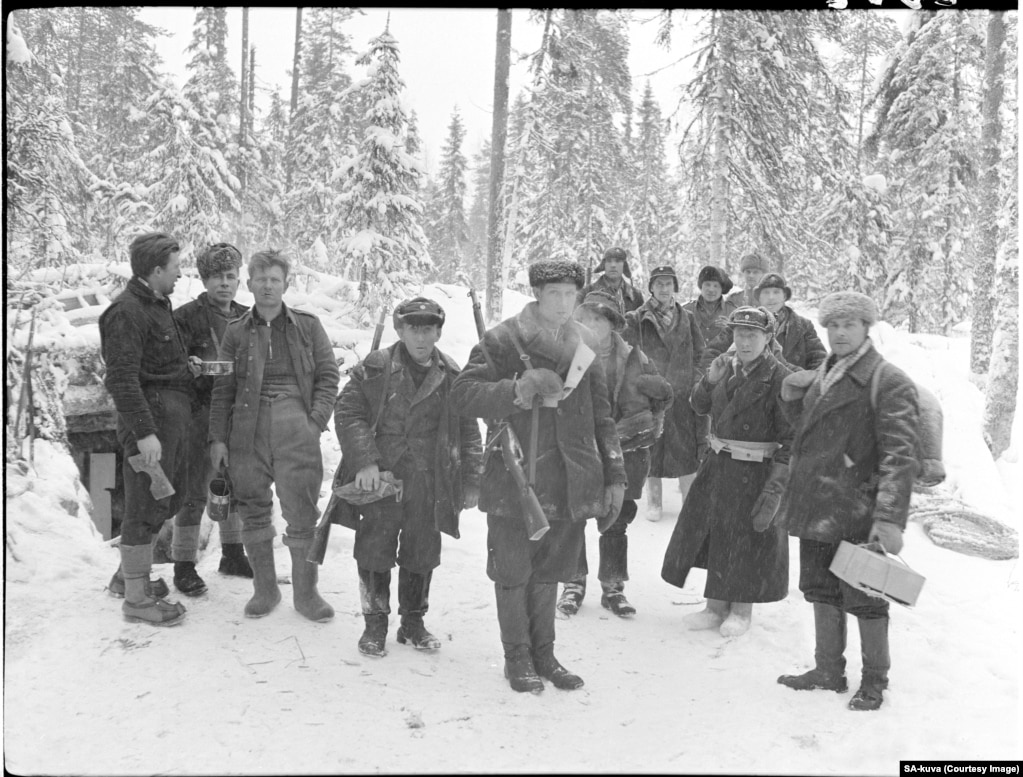 Finnish fighters take a moment to pose during the war.