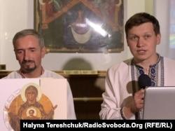 Андрій Комарницький (ліворуч) і Богдан Зятик на презентації їхнього монографічного альбому «Святині Княжої України»