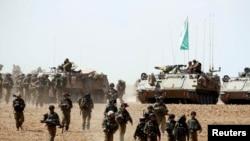 Ushtarët izraelitë në një terren në Rripin e Gazës