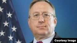 Қазақстандағы АҚШ елшісі Джордж Крол. Сурет АҚШ елшілігінің ресми сайтынан алынды.