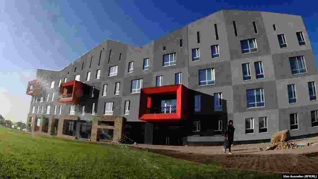 Новый кампус АУЦА расположен на юге Бишкека.