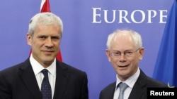 Serbian President Boris Tadic (left) and European Council President Herman Van Rompuy