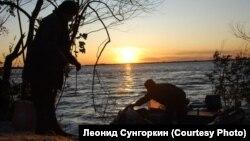 Нанайские рыбаки на реке Амур в Хабаровском крае