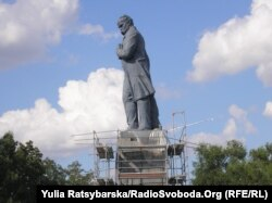 Пам'ятник Шевченку, липень 2011, Дніпропетровськ