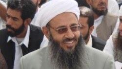درخواست رفع محدودیت سفر مولوی عبدالحمید در گفتوگو با عبدالستار دوشوکی، فعال بلوچ