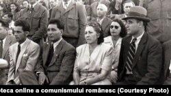 Gh.Gheorghiu Dej, Gh. Apostol şi alții la manifestaţia de prietenie româno-maghiară de pe stadionul de lângă Arcul de Triumf din Capitală.(20 iunie 1945) Sursa: Fototeca online a comunismului românesc cota:189/1945