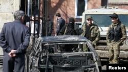 Город Карабулак. На месте взрыва 5 апреля 2010 года.