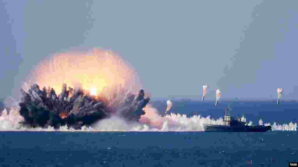 Взрыв вакуумной бомбы во время российских командно-штабных учений «Кавказ-2016»на территории Крыма, 9 сентября 2016 года