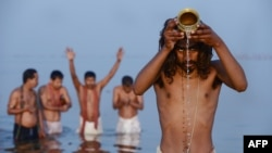 Дел од ритуалите за празникот Кумбха меле.