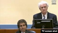 Radovan Karadžić u sudnici na statusnoj konferenciji, 6. travnja 2016.