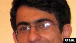عباس حکيم زاده عضو شورای مرکزی انجمن اسلامی به همراه چهار دانشجوی ديگر به دو ترم محروميت از تحصيل محکوم شده است.