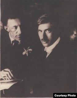 Блок и Чуковский на поэтическом вечере в БДТ 25 апреля 1921. Фото М.Наппельбаума.