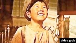 Фильмдегі кейіпкерлердің бірі Дәулет.