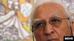 نورالدین زرین کلک پدر انیمیشن ایران لقب گرفته است.