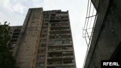 Много жилых домов, квартир во время боевых действий было разрушено и сожжено
