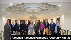 Președinta Camereai reprezentanților Nancy pelosi si alti membri ai Congresului la Kabul u premnierul afgan Abdullah Abdulla, 21 octombrie 2019