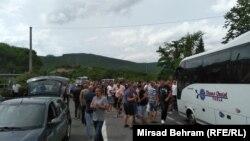 Radnici Aluminija blokirali su magistralni put M -17