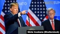 Дональд Трамп і Джон Болтан