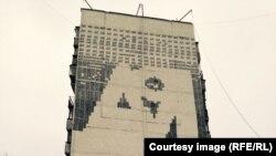 Граффити со стихограммой Дмитрия Пригова в Беляеве