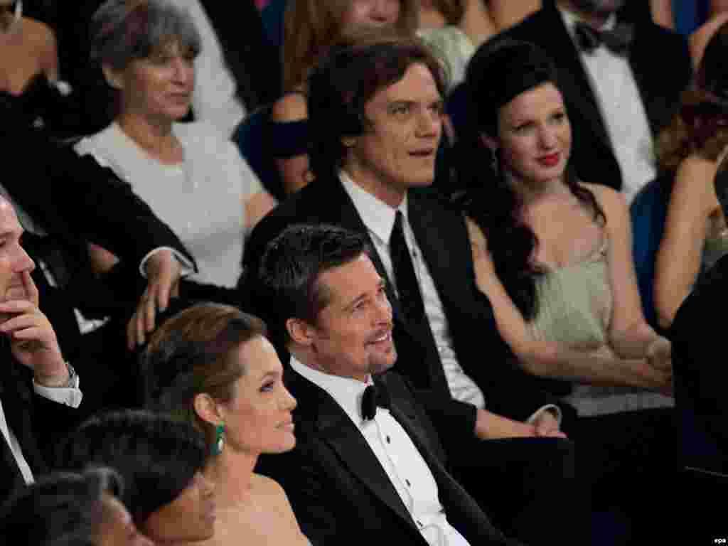 برد پیت و همسرش انجلینا جولی که هر دو در میان نامزدهای اسکار بازیگری بودند دست خالی به خانه رفتند