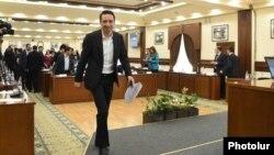 Мэр Еревана Айк Марутян в ходе заседания Совета старейшин города (архив)