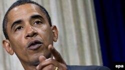 Președintele Barack Obama adresîndu-se comunității finaciare de pe Wall Street