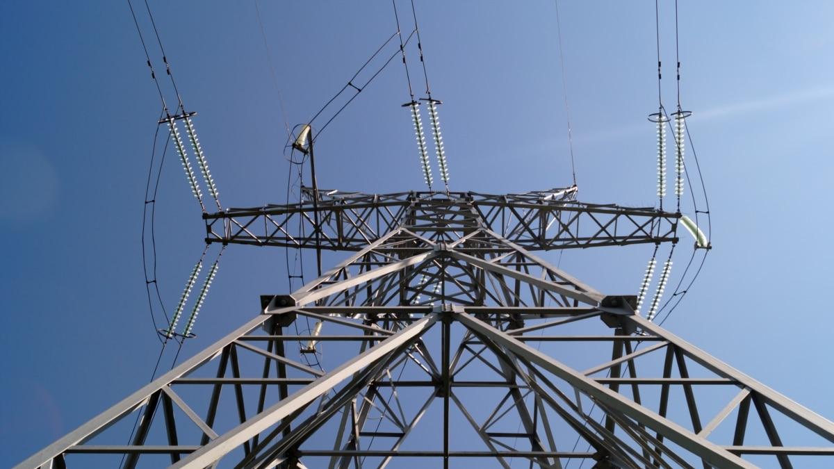 «Токсичный импорт»: зачем Украине снова покупает электроэнергию в России