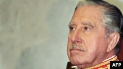 Аугусто Пиночет, чилийский диктатор (фото 1990 года)
