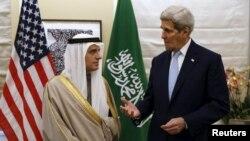 Sekretari amerikan i Shtetit, John Kerry dhe MInistri i Jashtëm saudit, Adel al-Jubeir