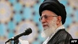 İranın ali dini rəhbəri Ayatollah Ali Khamenei