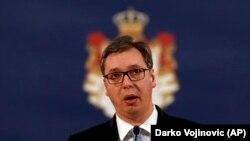 """""""Vučiću (na fotografiji) nema druge nego da svoj narod suoči s beznadnošću položaja u kojem se našao."""""""