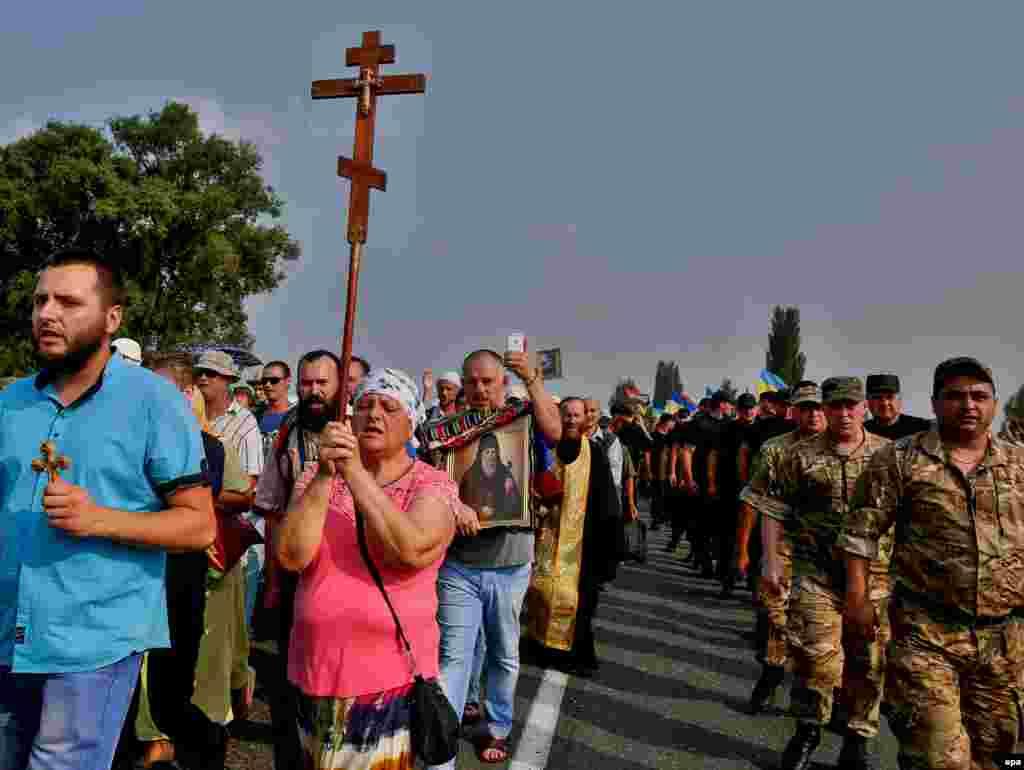 Украіна: крыжовая працэсія набліжаецца да Кіева.