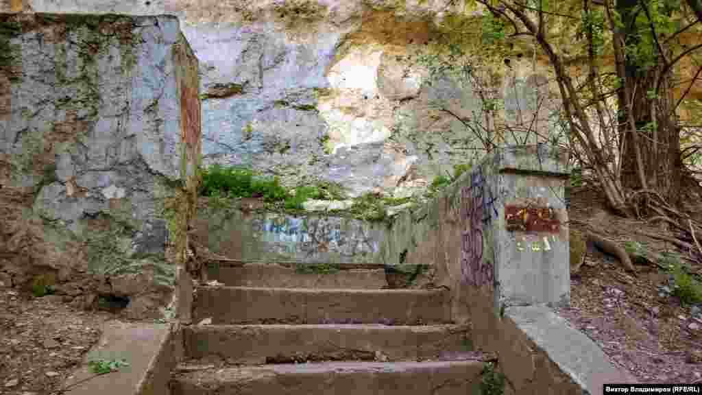 «Лестницой любви» ее стали называть в конце XIX ‒ начале XX веков. Но откуда взялось это название – не известно