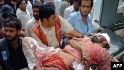 تاکنون نزدیک به ۱۶۰ نفر در حملات انتحاری روزهای اخیر پاکستان جان خود را از دست دادند.