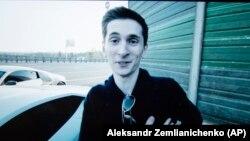 Никулин Евгений.