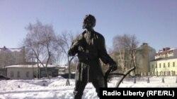 """Памятник """"тамбовскому мужику"""""""