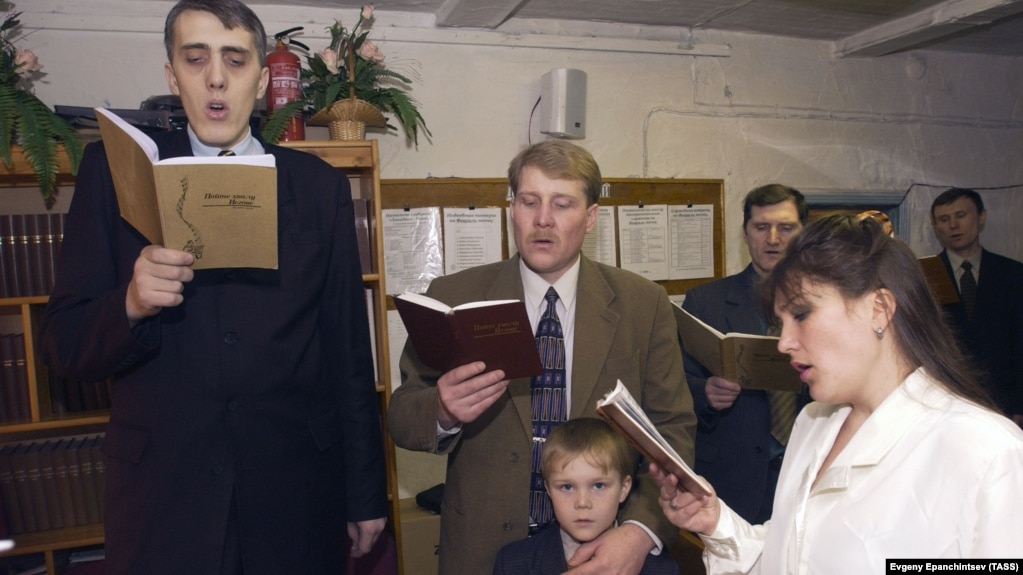 Jehovah's Witness To Go On Trial In Russia On Extremism Charges