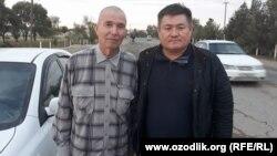 Узбекский журналист Солиджон Абдурахманов (слева) после выхода из тюрьмы