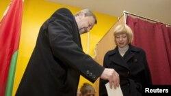 Андрэй Саньнікаў і Ірына Халіп, 19 студзеня 2010