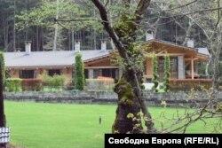 Къщата за гости на Александър Манолев край Сандански