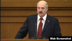 Президент Беларуси Александр Лукашенко в парламенте. Минск, 29 апреля 2015 года.