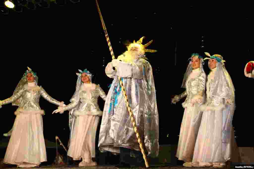 Су Кыш бабае (Нептун) һәм су Кар кызлары