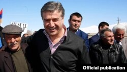 Armenia - Prime Minister Karen Karapetian campaigns for parliamentary elections in Syunik province, 13Mar2017.