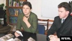 Павал Мажэйка і Андрэй Чарнякевіч пад час прэзэнтацыі