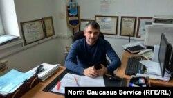 Тимур Дзортов в своем кабинете