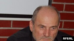 Victor Popa, profesor de drept constituțional